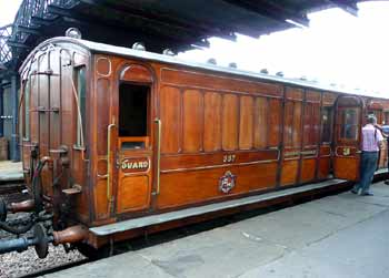 Ashbury brake third carriage 387.