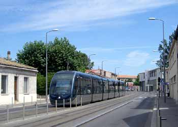 Light rail / other traffic segregation in Bordeaux.