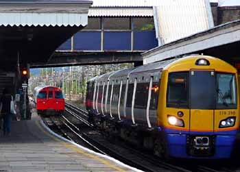 London Overground Class 378 and Bakerloo Line 1972 Mk2 Tube Stock.