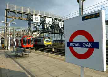 S Stock and class 360 trains at Royal Oak.