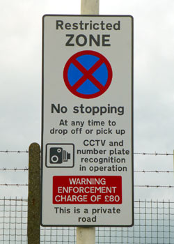 No drop off / pickup sign at Luton Airport.