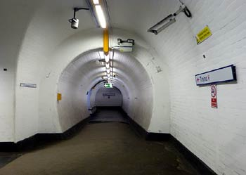 subterranen passageway Essex Road station.