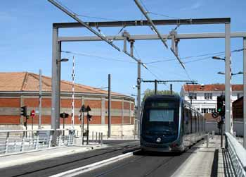 Light rail / tram / streetcar overhead power supply fixed rail.