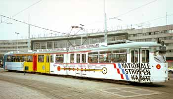Tram in special advertising livery to promote the National Strippenkaart ticket.