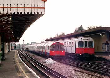 District and Piccadilly Line trains.